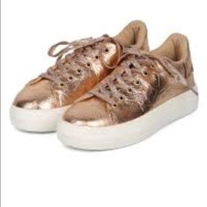 Qupid – Rincon Lace-Up Sneaker Rose gold color